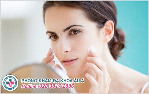 Bệnh chàm da mặt : Hình ảnh nguyên nhân biểu hiện và cách trị