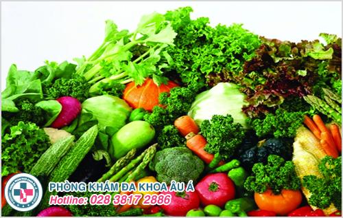 Bổ sung nhiều rau xanh, hoa quả tươi, khoai lang trong các bữa ăn hàng ngày