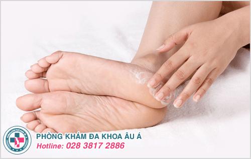 Có nhiều cách đễ chữa tróc da ở dưới bàn chân