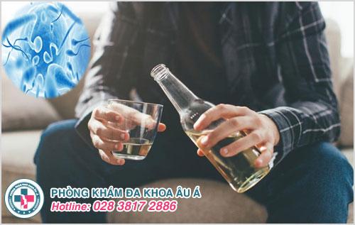Nam giới lạm dụng bia rượu sẽ gây suy giảm chất lượng tinh trùng