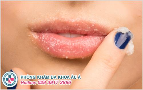 Nguyên nhân bong tróc da môi và cách khắc phục hiệu quả