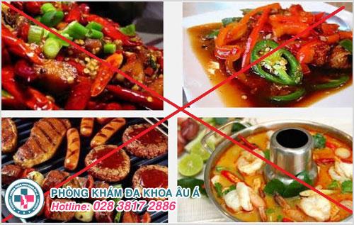 Phòng tránh bệnh hậu môn hiệu quả thì hãy tránh xa những món ăn cay nóng