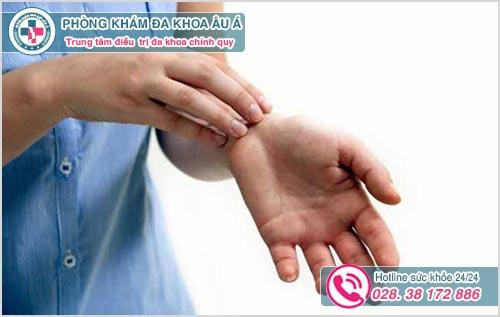 Chữa bệnh ghẻ ở đâu tốt nhất TPHCM ? Chi phí chữa bao nhiêu ?
