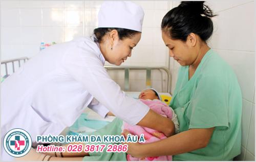 Có nên cắt bao quy đầu cho trẻ sơ sinh ?