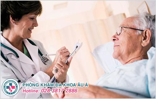 Nguy cơ mắc chứng bệnh này ngày càng cao hơn theo tuổi tác