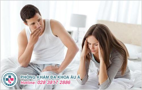 Đi tiểu buốt và có mủ ở nam giới và phụ nữ là dấu hiệu bệnh gì?