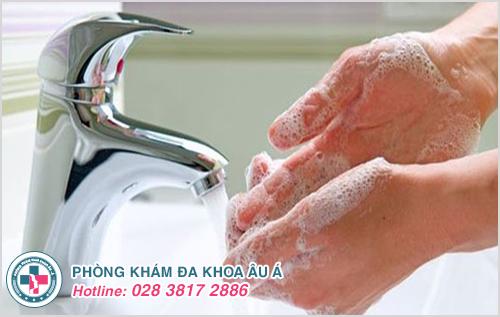 Dị ứng da tay : Hình ảnh nguyên nhân dấu hiệu cách điều trị