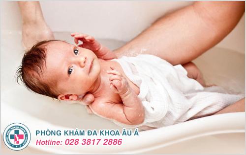 Hình ảnh hắc lào ở trẻ sơ sinh trẻ em