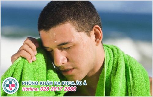 Lang ben ở mặt : Nguyên nhân dấu hiệu cách điều trị