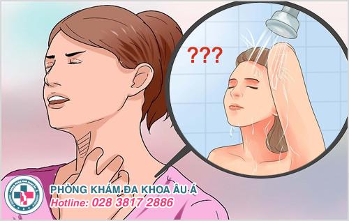 Bệnh thuỷ đậu có được tắm không ? Có được gội đầu không ?