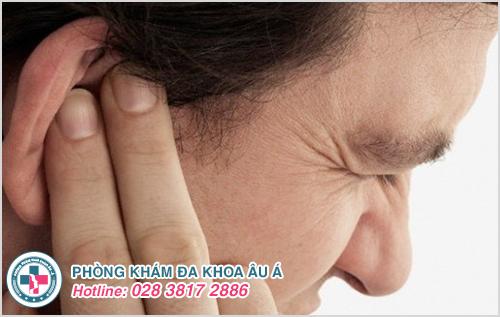 Mụn mủ ở tai : Hình ảnh nguyên nhân biểu hiện cách điều trị