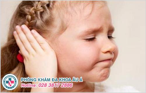 Mụn nhọt ở tai : Hình ảnh nguyên nhân biểu hiện cách chữa