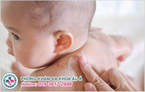 Mụn nhọt sau gáy : Hình ảnh nguyên nhân dấu hiệu cách trị