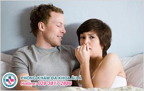 Nguyên nhân khí hư có mùi hôi sau quan hệ và cách điều trị