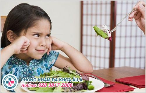 Những biến chứng nguy hiểm khi trẻ bị táo bón