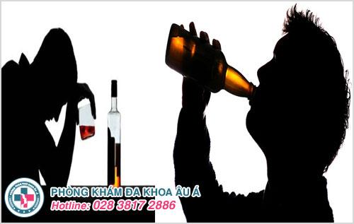 Lạm dụng bia rượu sẽ gây tác dụng xấu đến sức khỏe và nguyên nhân gây viêm tuyến tiền liệt