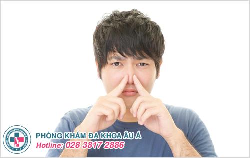 Nước tiểu có mùi hôi là dấu hiệu của bệnh gì?