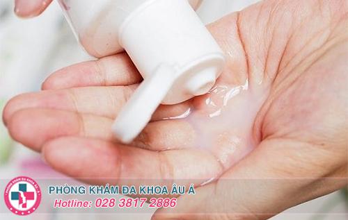 Thuốc rửa viêm phụ khoa dùng nhiều có tốt không?