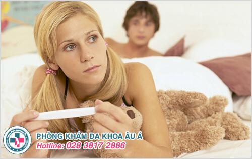 Tinh dịch dính bên ngoài âm đạo có thai hay không?