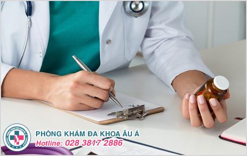 Tùy thuộc vào mức độ tổn thương bệnh gây ra mà bôi thuốc theo đúng chỉ định của bác sĩ