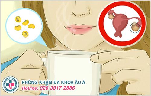 U nang buồng trứng có nên uống sữa đậu nành hay không?