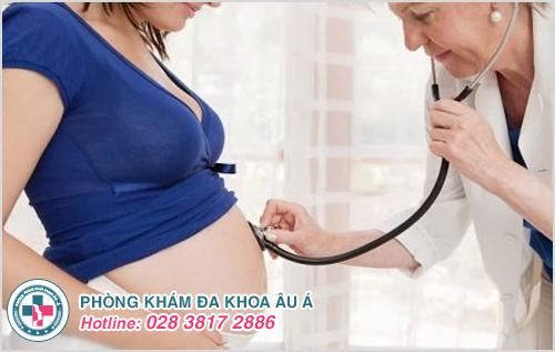 Các chị em nên đến Phòng Khám Đa Khoa Âu Á để được bác sĩ chuyên khoa thăm khám